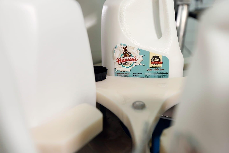 Hansen_Dairy_skim_milk_filling